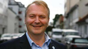 Romfolkene bør takke Carl I Hagen for at de får være i Norge!