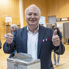 Det norske folk må få bestemme mer!